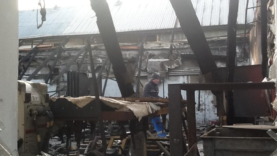 Požárem se zřítila střecha