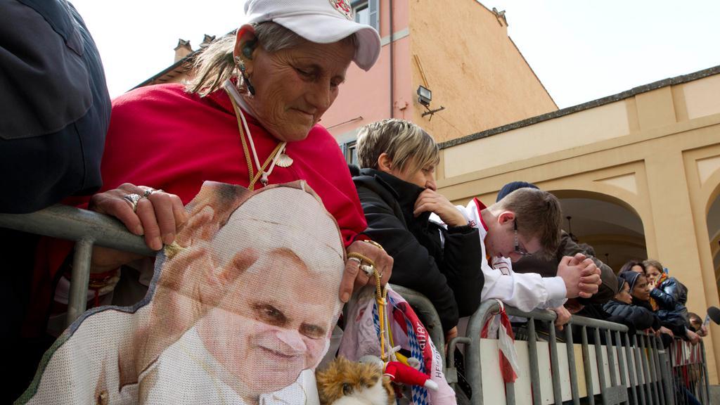 Setkání Františka a Benedikta přilákalo věřící