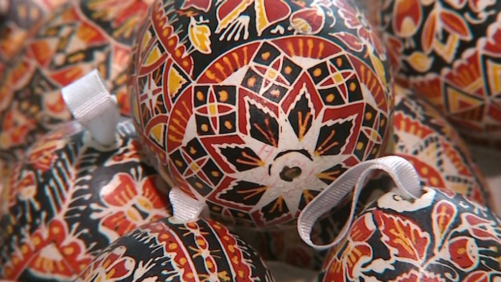 Kraslice zdobené batikováním