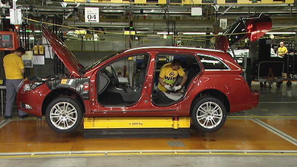 V továrně Opelu