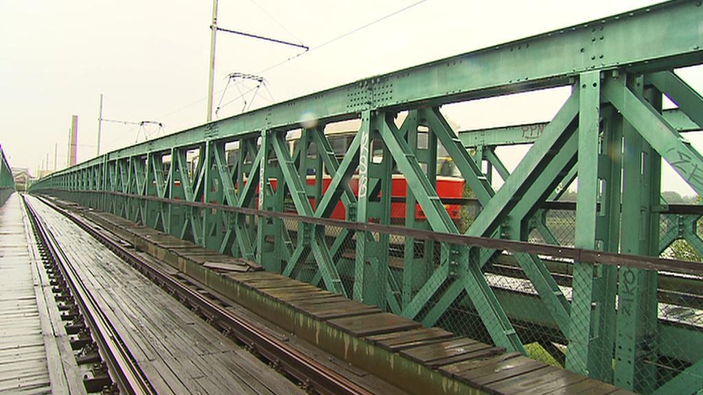 Trojský tramvajový most