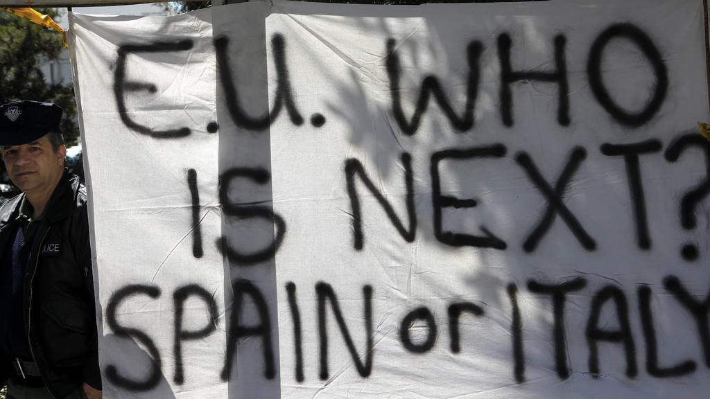 Kypřané protestují proti zdanění vkladů