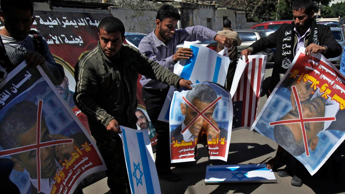 Palestinci v Gaze protestují proti návštěvě Baracka Obamy
