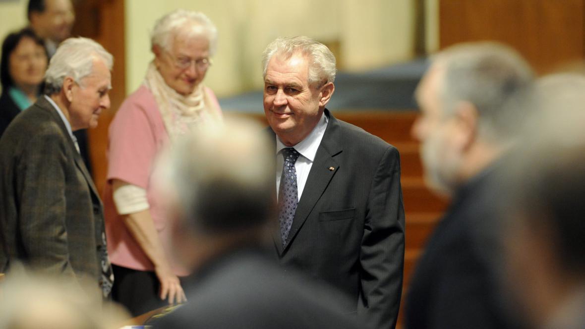 Miloš Zeman navštívil Senát