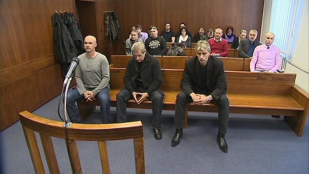 Před soudem