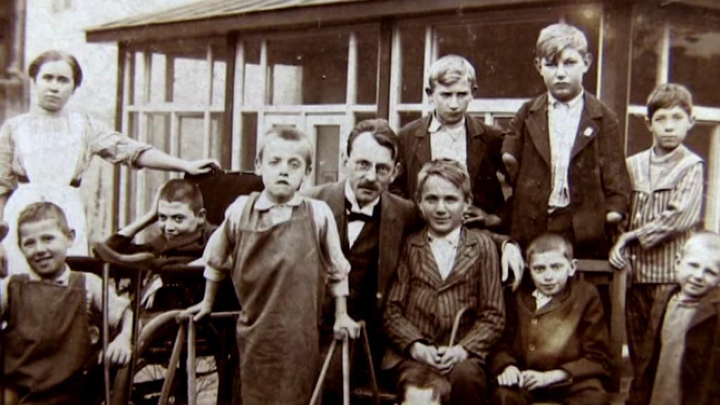 Rudolf Jedlička s dětmi