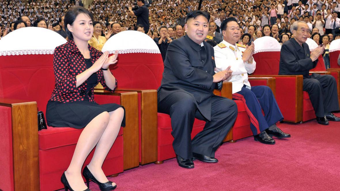 Kim Čong-un s manželkou Ri Sol-ču