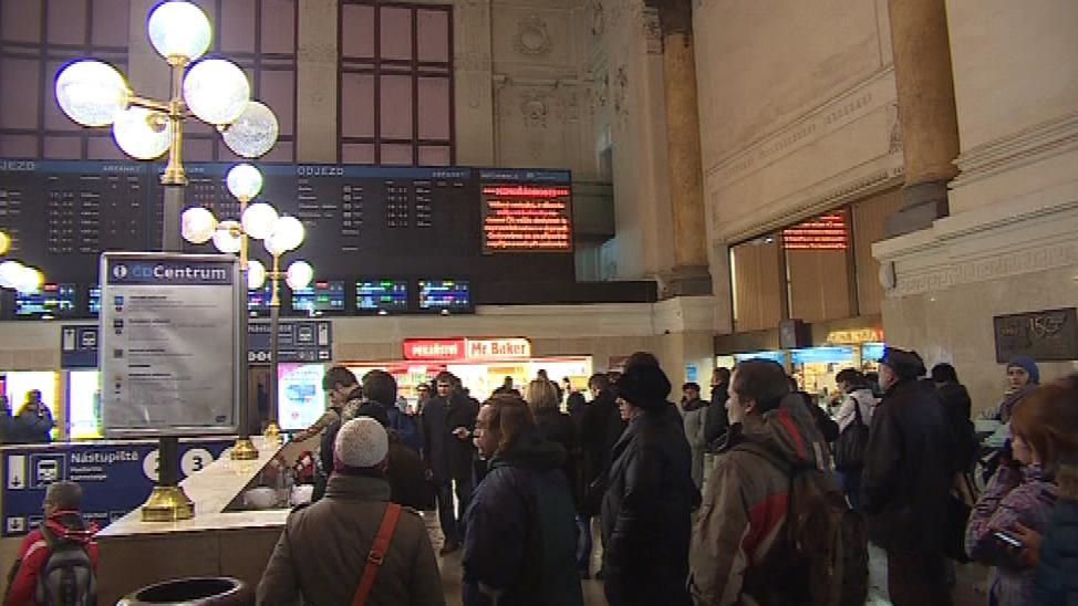 Zpoždění měly i vlaky
