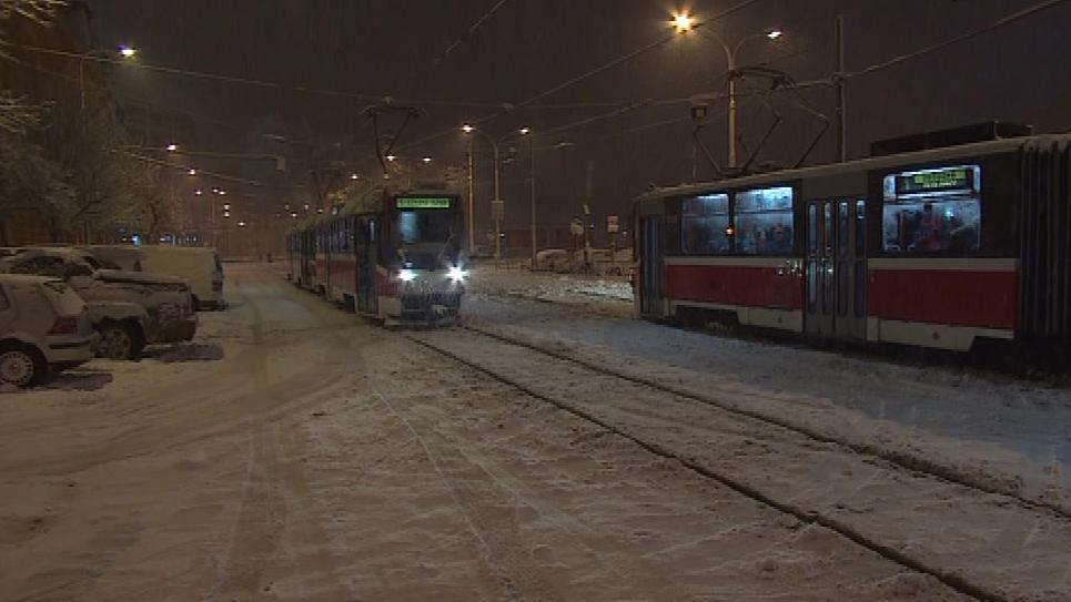 Problémy měly i tramvaje