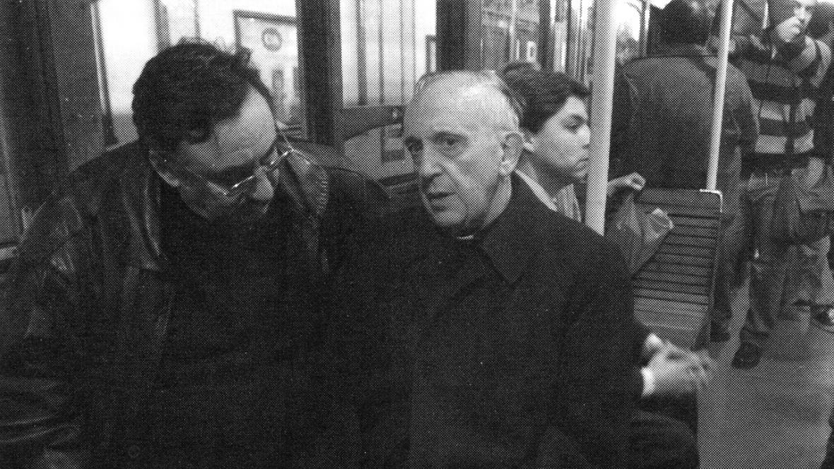 Kardinál Jorge Mario Bergoglio v metru v Buenos Aires (snímek z roku 2009)