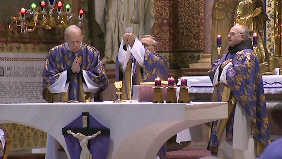 Na Svatém Hostýně oslavili zvolení nového papeže už brzy ráno