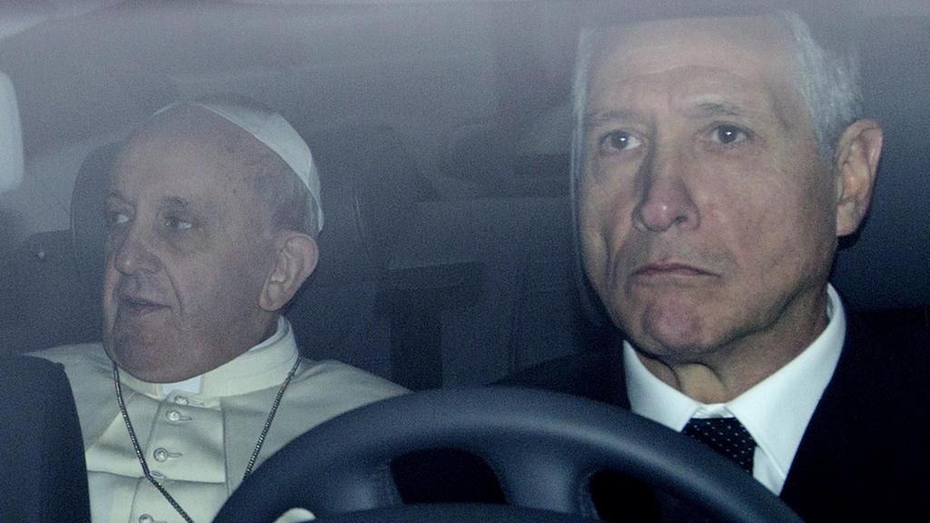 Papež František se poprvé od zvolení ukázal na veřejnosti