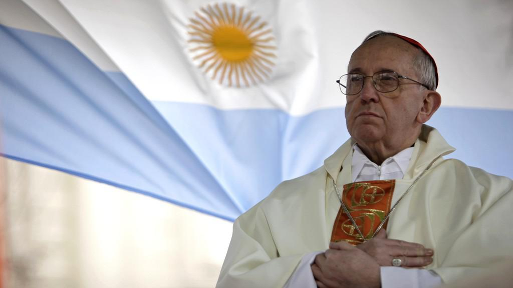 Papežem je kardinál Bergoglio z Argentiny