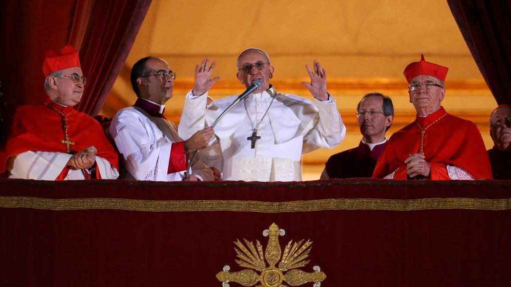 Papež František zdraví věřící