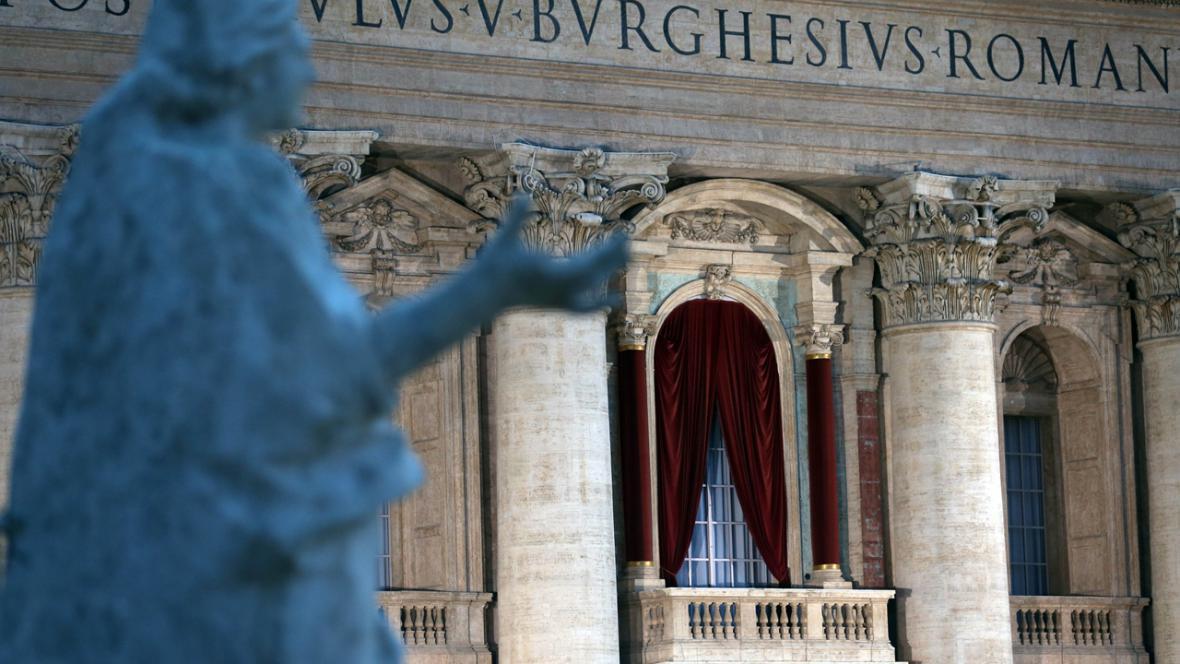 Balkon, odkud nově zvolený papež pozdraví věřící