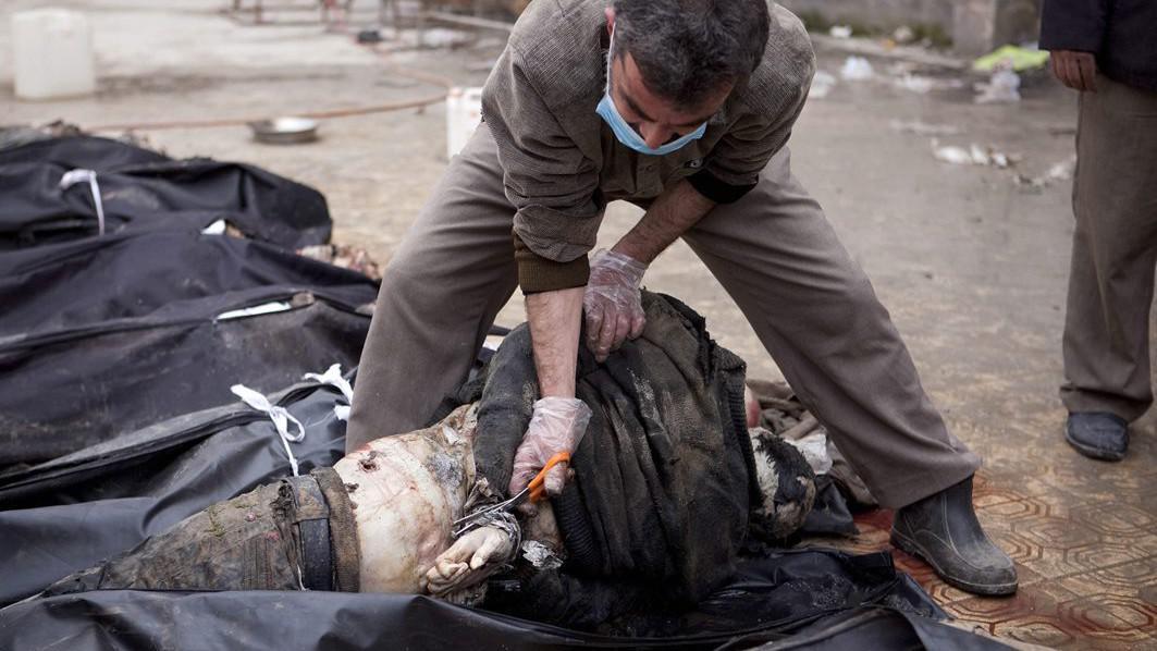 Těla neznámých syrských mužů nalezených v řece Quweiq