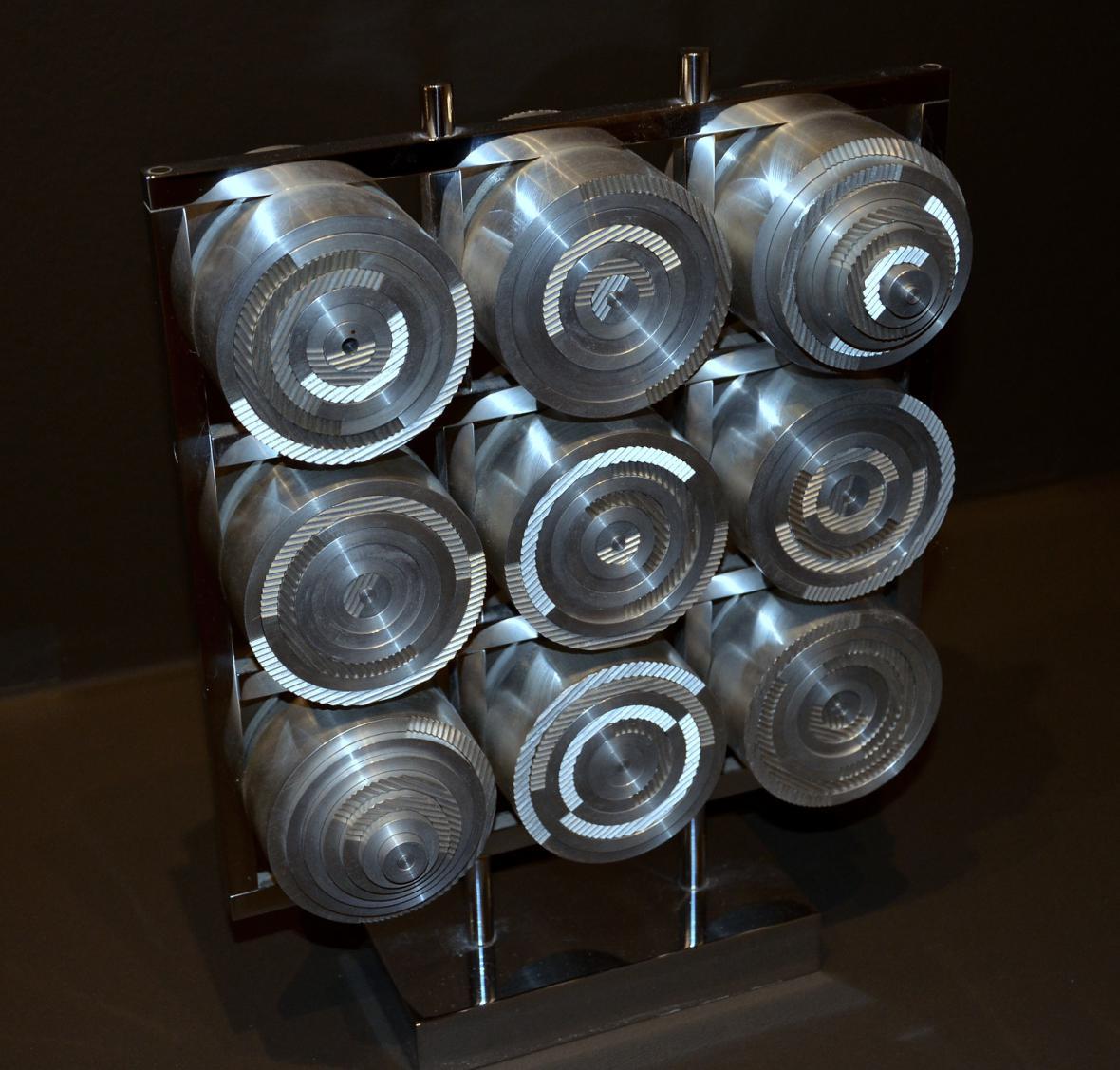 Radek Kratina / Posuvné cylindrické kruhy, 1984 (soukromá sbírka)