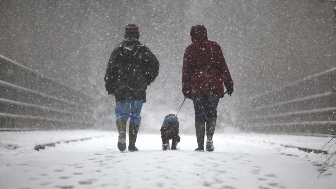 Sníh v Crawley v Británii