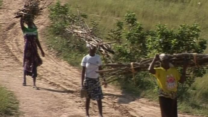 Angolané, záběry z dokumentu ČT Zajati v Angole