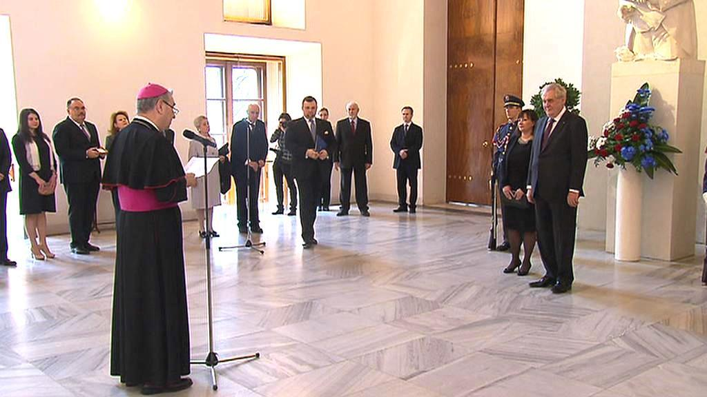 Vatikánský velvyslanec zdraví novopečeného prezidenta