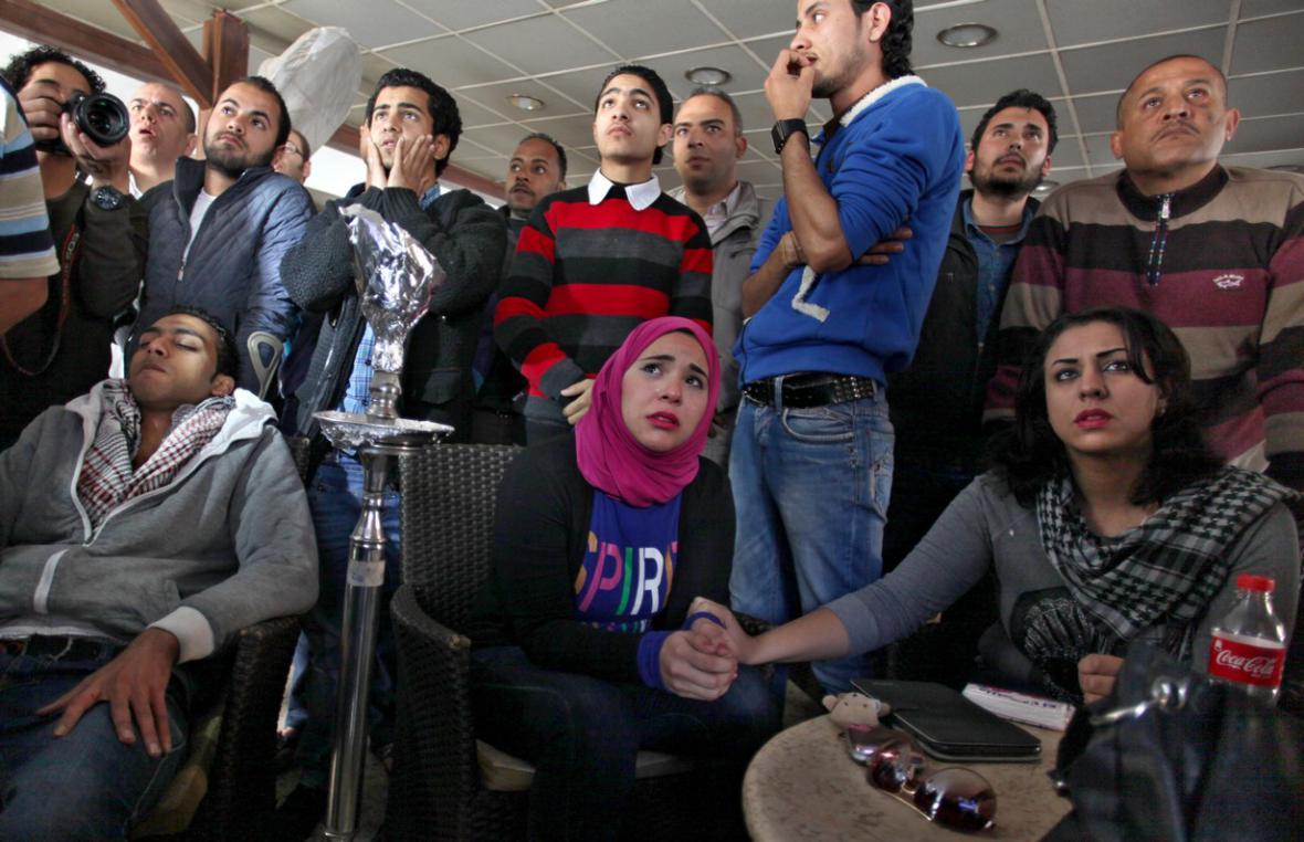 Egypťané sledují průběh soudu