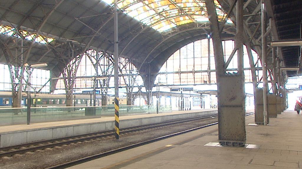 Zastřešení nástupišť hlavního nádraží