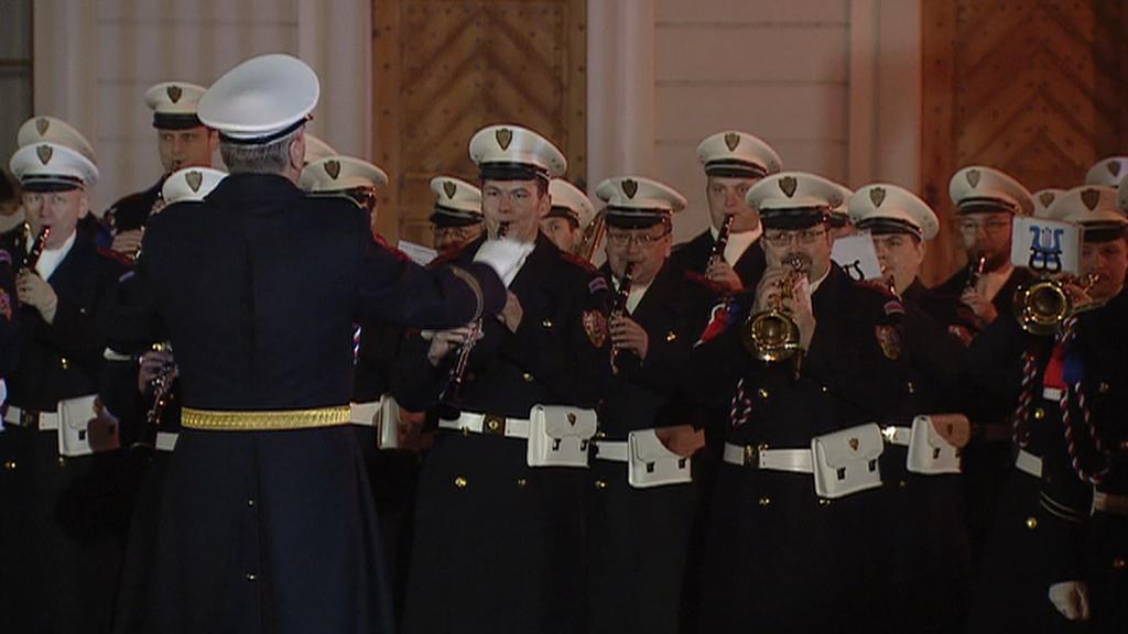 Na Hradčanském náměstí zazněla i česká národní hymna