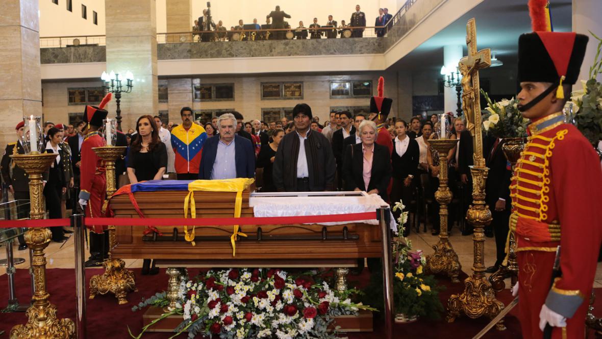 Jihoameričtí státníci u Chávezovy rakve