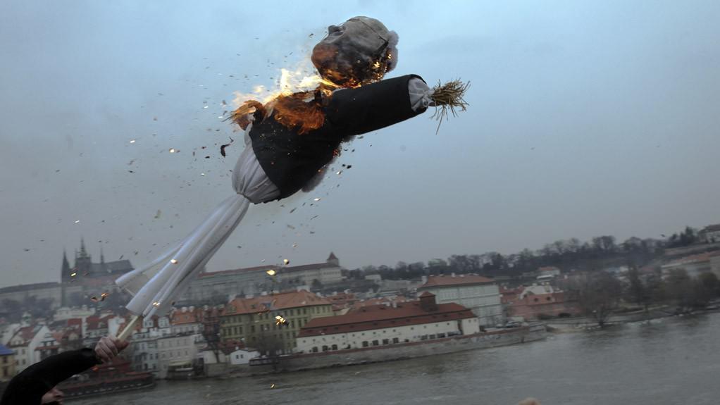 Klausova Morana letí do Vltavy