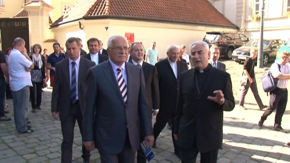 Václav Klaus s biskupem Vojtěchem Cirklem v Brně