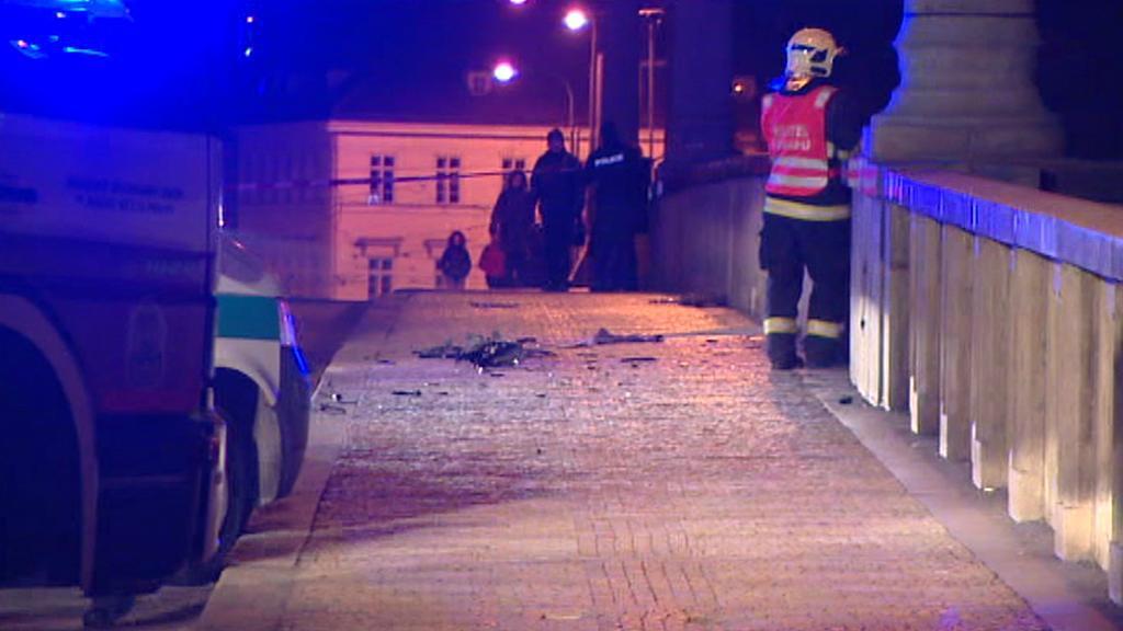 Nehoda na Mánesově mostě