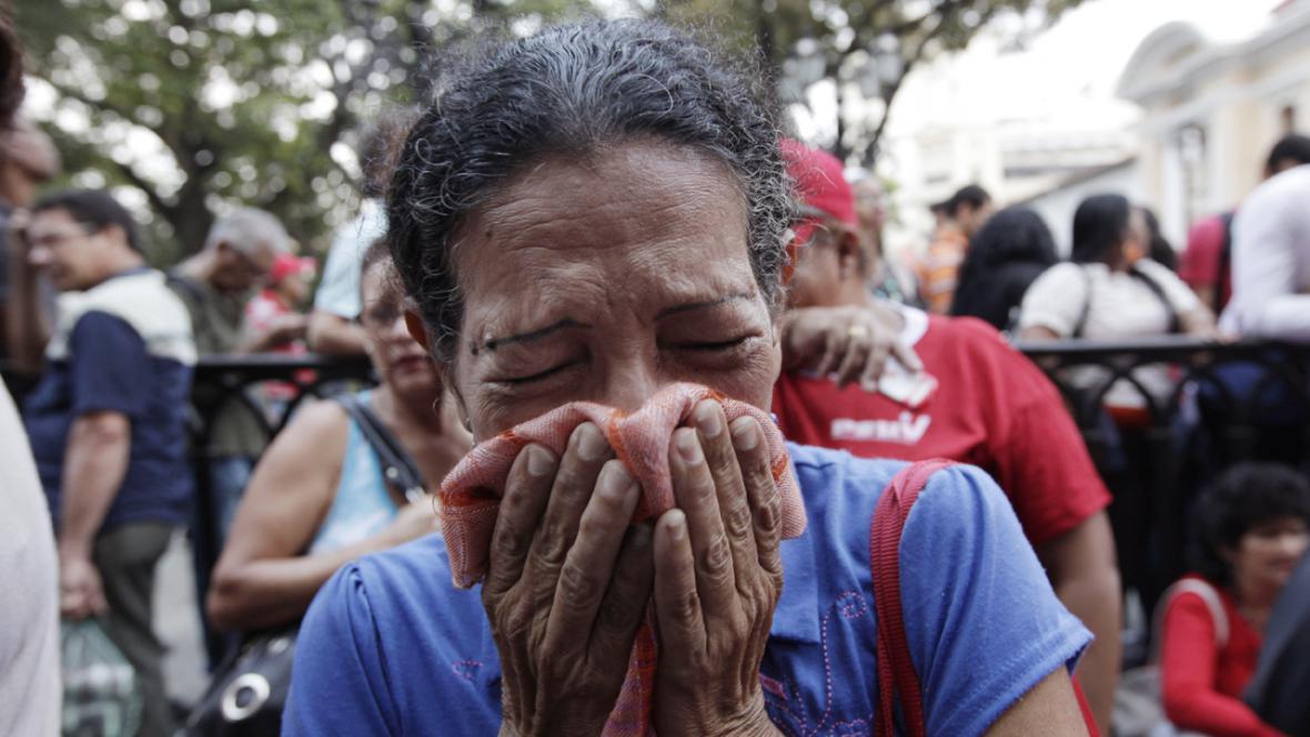Lidé truchlí pro Cháveze