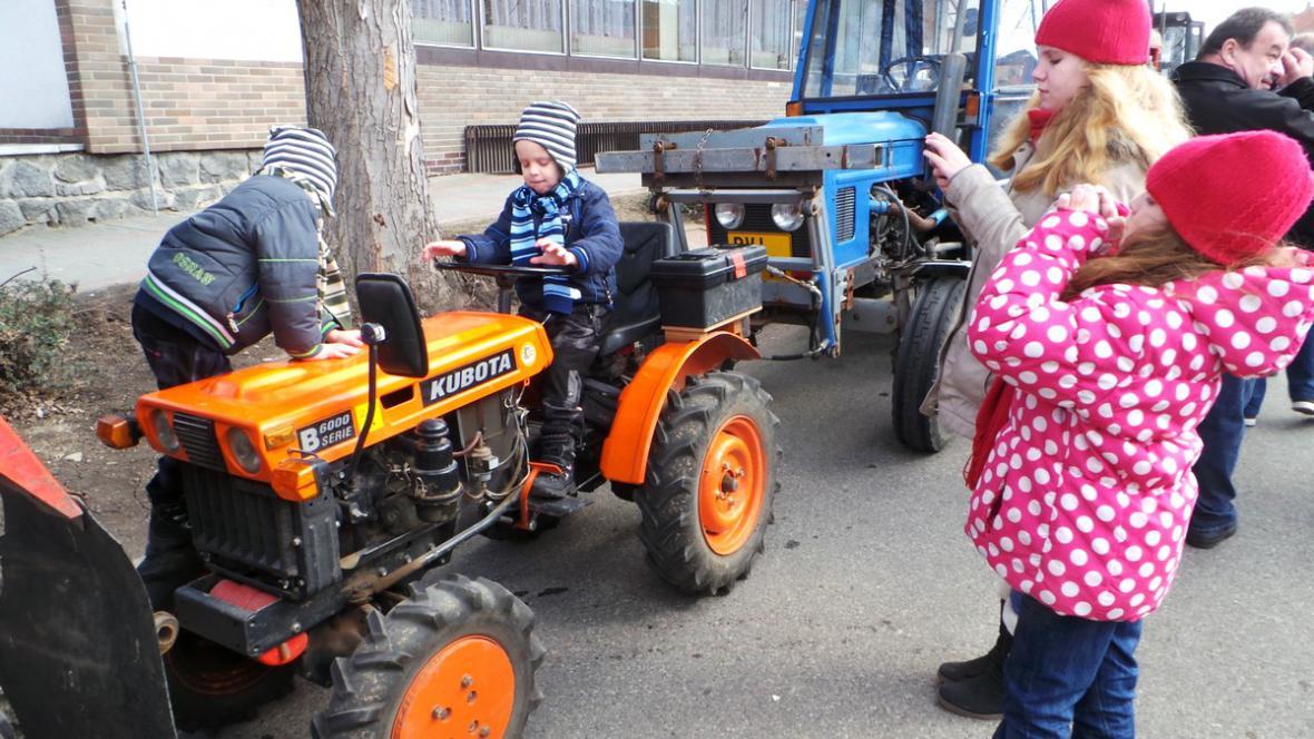 Rekordní shromáždění traktorů ve Velkých Bílovicích