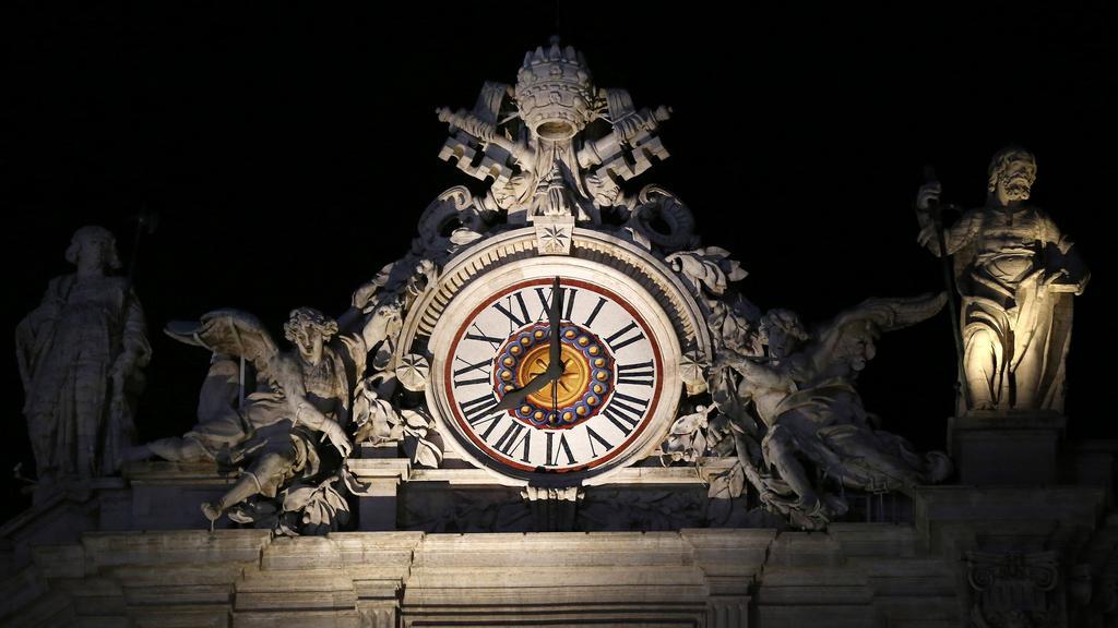 Pontifikát Benedikta XVI. vypršel ve 20:00