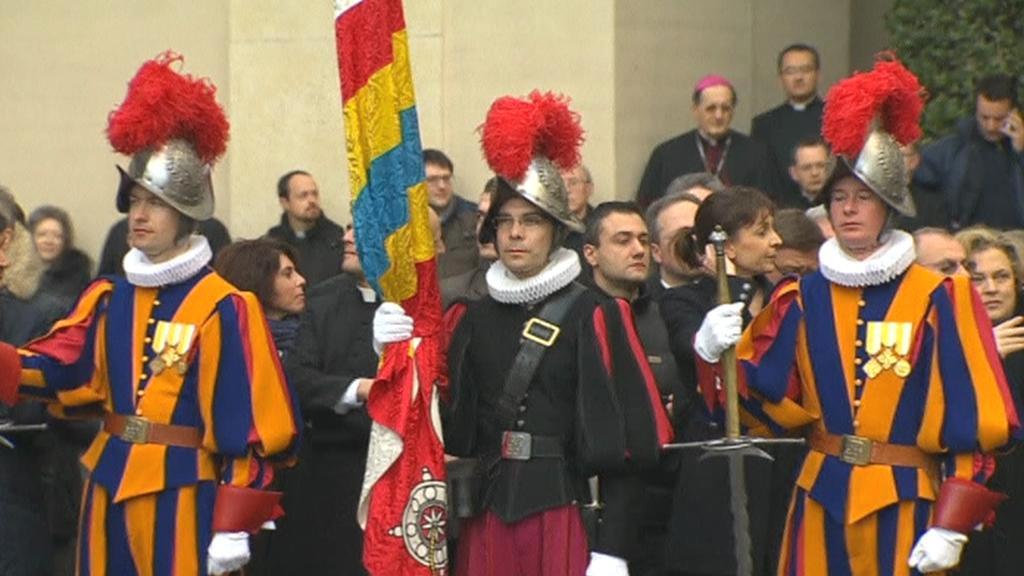 Vatikán je připraven na odjezd Benedikta XVI.