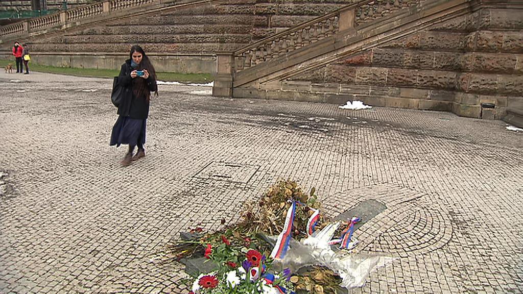 Yoani Sánchezová na místě, kde se upálil Jan Palach