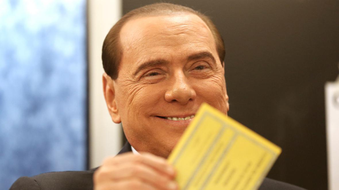Silvio Berlusconi u volební urny