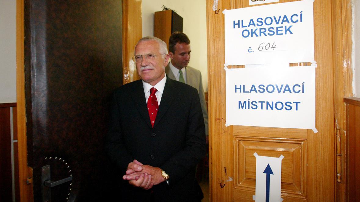 Klaus při referendu o vstupu ČR do EU