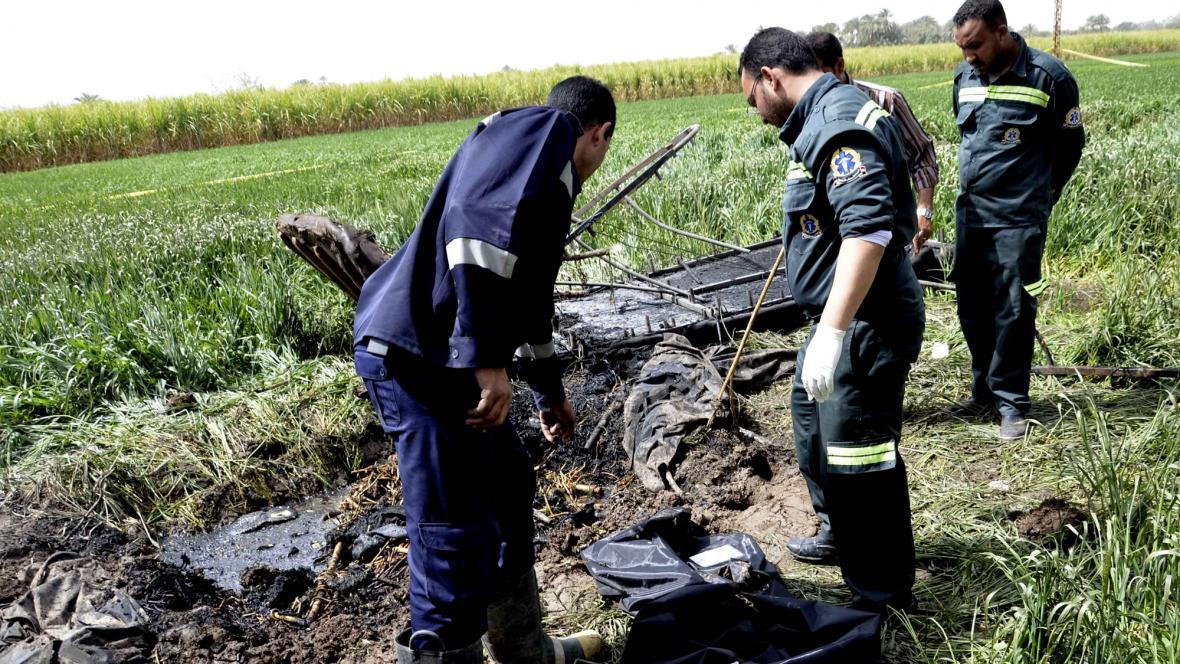 Záchranáři na místě nehody balon