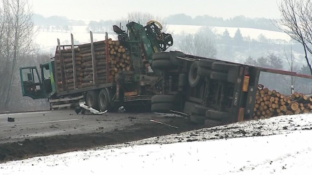 Nehoda zablokovala silnici mezi Zlínem a Želechovicemi