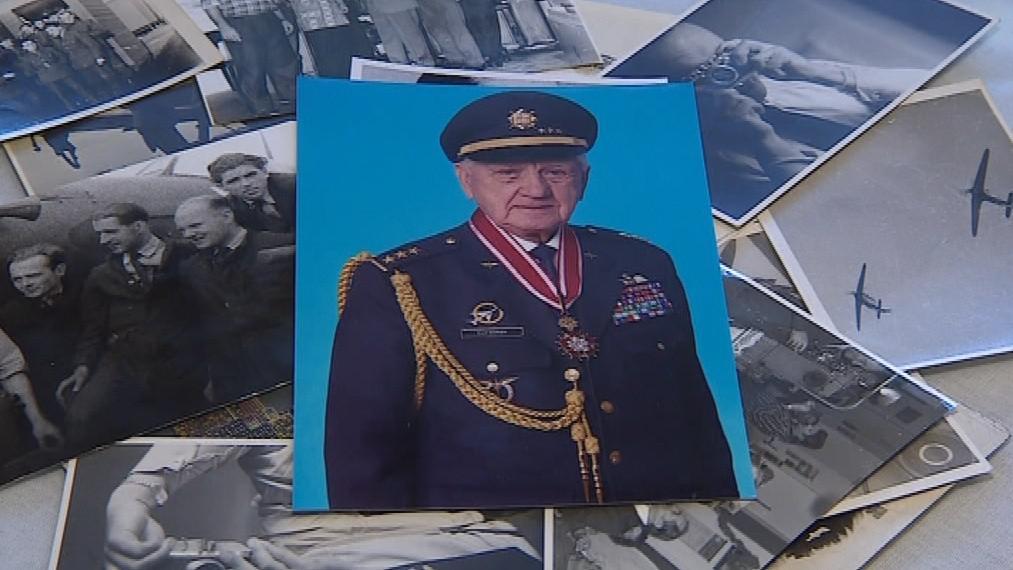 Plukovník Emil Boček odešel od letectva až po válce