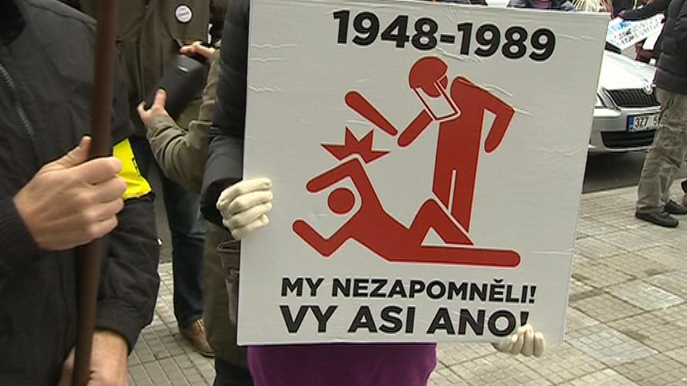 Protesty proti komunistům ve vedení kraje