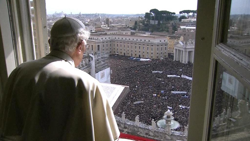 Benedikt XVI. se rozloučil s věřícími tradiční modlitbou Anděl Páně