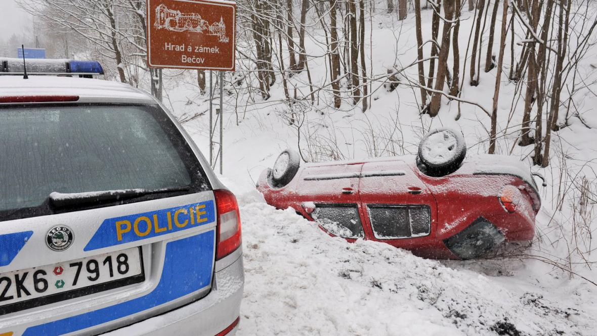 Nehoda před Bečovem na Karlovarsku