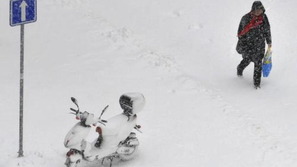 Brněnské sídliště zasypané sněhem