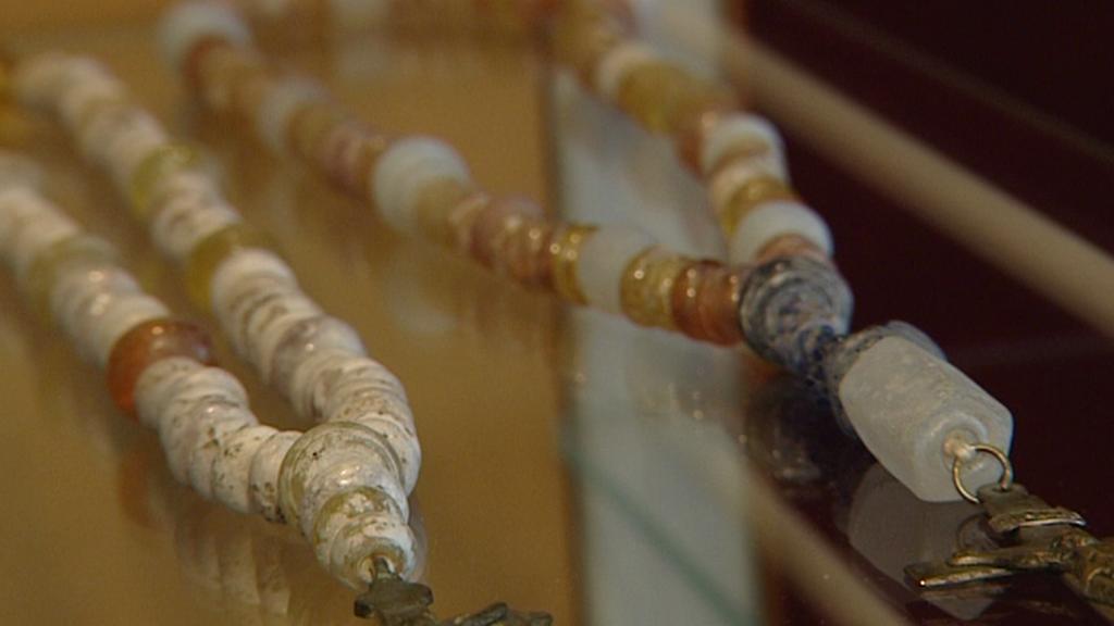 Skleněné perly z Šumavy