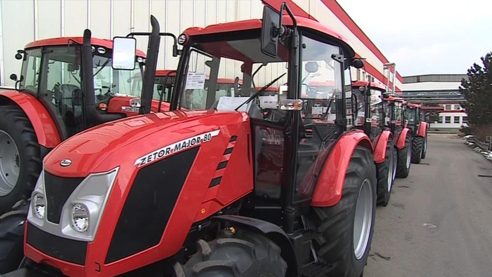 Traktory Major připravené na předání zákazníkům