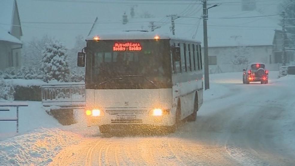 Sníh komplikuje dopravu