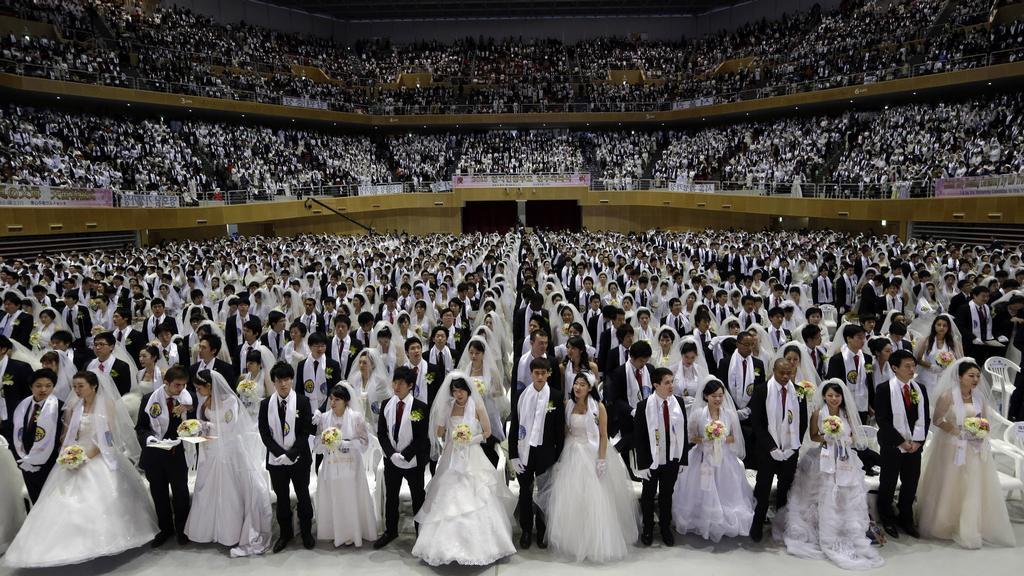 Masový svatební obřad Církve sjednocení