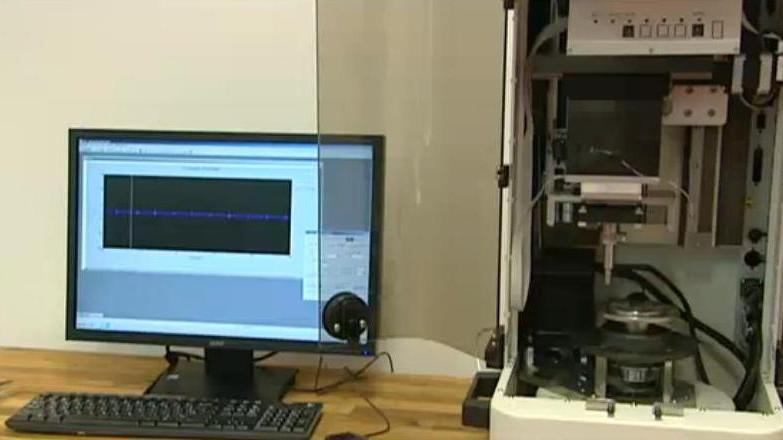 Výstava mapuje vývoj elektronové mikroskopie od 50. let do současnosti